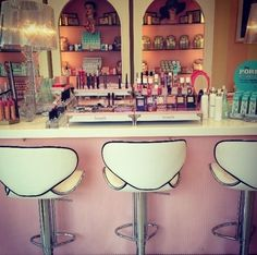 ☮✿★ Benefit Makeup Counter ✝☯★☮ loved this at Smith and Caugheys!