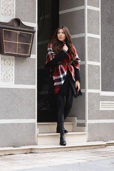 I was wearing: Sheinside tartan scraf, Sheinside coat, Sheinside leather look alike leggings, Jessica Buurman brogues, Triwa watch