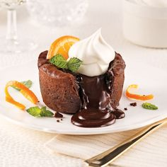 Moelleux fondants au chocolat et Grand Marnier - 5 ingredients 15 minutes Mug Recipes, Sweet Recipes, Cake Recipes, Dessert Recipes, Grand Marnier, Individual Desserts, Sweet Desserts, Chocolate Desserts, Fondant