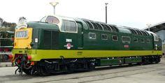Diesel Locomotive, Steam Locomotive, East Coast Main Line, Railroad Pictures, Electric Train, British Rail, Train Pictures, Power Cars, Blue Color Schemes