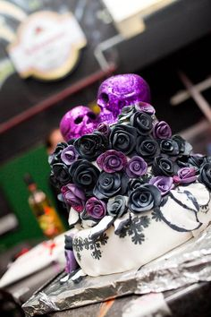 A Pirate Wedding & A Rock Gig Reception: Lou & Jürgen