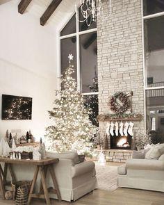 Farmohouse christmas living room decoration ideas (67)