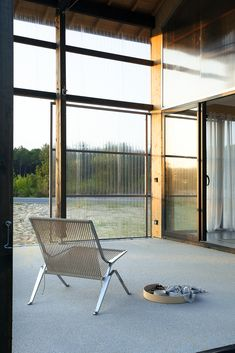 Image 65 of 69 from gallery of Une maison pour surfer / Java Architecture. Photograph by CaroLine Dethier Java Architecture, Contemporary Architecture, Industrial Interiors, Modern Industrial, Farm Shed, Home Projects, Decoration, House Design, Photos