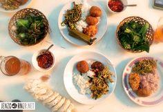 Warung Nasi Bu Eha Pasar Cihapit – Bandung One Day Trip, Places To Eat, Presentation, Food, Meal, Day Trips, Essen, Hoods, Meals