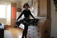 Ida Victoria: Veiledning på sirkelskjørt Learn To Sew, Diy Tutorial, Harem Pants, Victoria, Tutorials, Learning, Sewing, Skirts, Fashion