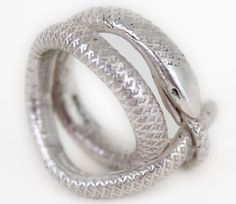 love this snake ring