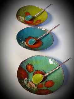 Enameled salt cellars w/ spoon Ceramic Bowls, Ceramic Pottery, Salt Cellars, Enamels, Plates And Bowls, Lampwork Beads, Decoration, Spoon, Vibrant Colors