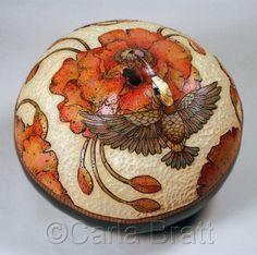 """Sculpture : """"Hummingbird & Poppies"""" (Original art by Carla Bratt) Decorative Gourds, Hand Painted Gourds, Gourds Birdhouse, Gourd Art, Art Techniques, Hummingbird, Printmaking, Amazing Art, Original Art"""