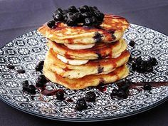 Celozrnné lívance Pancakes, Yummy Food, Breakfast, Food Ideas, Kitchen, Morning Coffee, Cooking, Delicious Food, Kitchens