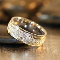 Infinity Celtic Knot Wedding Band 14k White Gold par LaMoreDesign, $878.00