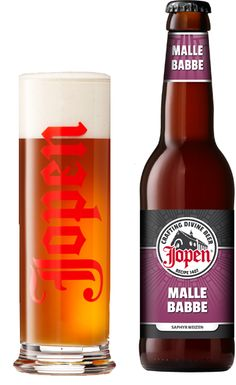 Jopen Malle Babbe / Lekker bier van plezier. Weizen, maar dan anders, 5,5% Niets is zo lekker als op een zonnige dag genieten van een koude weizen. De amberkleurige Jopen Malle Babbe is een frisse weizen door de aroma's van banaan. De whirlpool hopgift van Saphyr zorgt voor extra fruitige citrustonen. De naam van dit zomerse bier is ontleend aan het schilderij dat Frans Hals schilderde van een dame met lust voor bier. Malle Babbe is later ook bezongen door Rob de Nijs: 'Malle Babbe is blond…