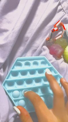 Diy Crafts For Girls, Fun Diy Crafts, Figet Toys, Diy Toys, Cool Fidget Toys, Slime Toy, Oddly Satisfying Videos, Mini Things, Sensory Activities