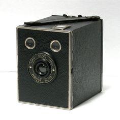 Vintage Kodak Brownie Jr.  Super 620 Model Box by CanemahStudios, $35.00