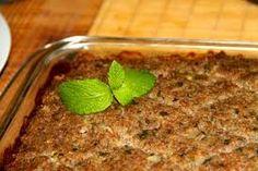 Essa receita de Kibe de forno você pode variar bem os tipos, simples, recheado com carne moída refogada e hortelã ou mesmo com requeijão. V...