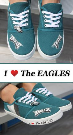 Ready to step up your Eagles pride? Our spirited I Love the Eagles women's shoes will have you ready for game day in an instant.