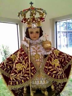 Reign Dresses, Infant Of Prague, Jesus Clothes, Mama Mary, God Prayer, Catholic Saints, Baby Jesus, Blessed Mother, Beautiful Pictures
