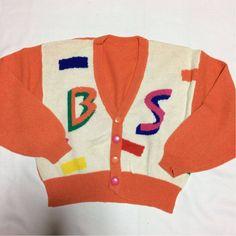80年代物 80年代ファッション ニット カーディガン オレンジ アルファベット 衣装_画像1