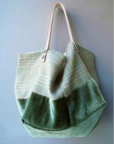 Green / velvet | Shoulder bag