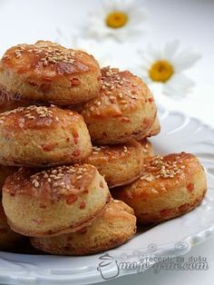 pogacice sa feta sirom Kiflice Recipe, Bread And Pastries, Pretzel Bites, Feta, French Toast, Deserts, Cheese, Breakfast, People