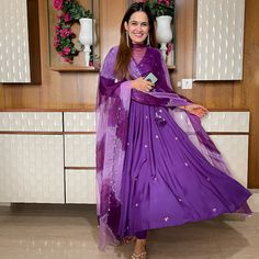 Anarkali Dress Pattern, Anarkali Patterns, Ethnic Outfits, Ethnic Clothes, Black Anarkali, Casual Indian Fashion, Bridal Dupatta, Purple Suits, Girls Black Dress