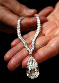 38 carats Diamond necklace, 7.1 million sensitive