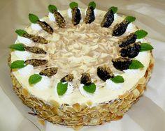 Tortaimádó: Szatmári szilvatorta, Ország tortája 2008 Torte Cake, Plum Cake, Hungarian Recipes, Tea Cakes, Sweet And Salty, Cakes And More, Dessert Table, Oreo, Cake Recipes