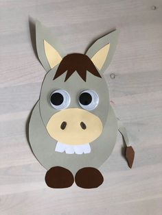 Basteln Bauernhoftier Esel For another farm animal, the donkey, I have the instructions and the temp Farm Animals Preschool, Farm Animal Crafts, Farm Crafts, Preschool Crafts, Crafts For Kids, Palm Sunday, The Donkey, Animal Wallpaper, Punch Art