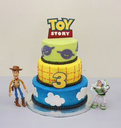 Without further adieu I give you Toy Story Party Photos! This area was the focal point of the party. It featured a Creations Toy Story. Cumple Toy Story, Festa Toy Story, Toy Story Party, Woody Birthday, Toy Story Birthday, 3rd Birthday, Birthday Ideas, Bolo Toy Story, Toy Story Cakes