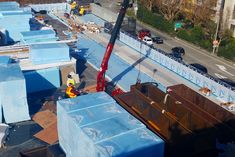 Crane moving extra large planters on a rooftop in San Francisco Studios Architecture, Landscape Architecture, San Francisco Neighborhoods, Corten Steel Planters, Shade Structure, Functional Kitchen, Organic Herbs, Edible Garden, Alexandria