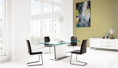Extendable-modern-glass-dining-table