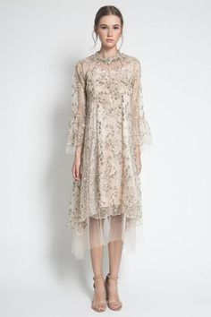 A curation of apparel for the bride to be, bridesmaids, and mother of the bride. Find the perfect look for that special day. We also offer ready-to-wear and made by order bridesmaid dresses here. Kebaya Lace, Kebaya Dress, Dress Pesta, Dress Muslim Modern, Dress Brokat Modern, Batik Dress, Lace Dress, Hijab Dress Party, Simple Gowns