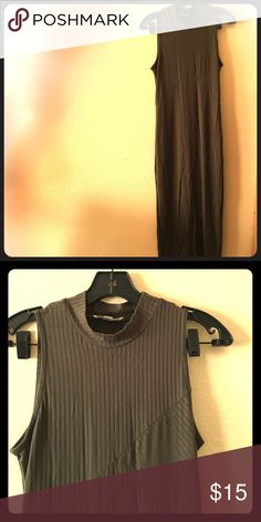 Maxi ribbed body con dress with mock neck in olive Maxi ribbed body con dress with mock neck in olive. Size large. Sleeveless. Never worn. Dresses Maxi