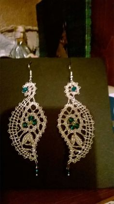 Lace Earrings, Lace Jewelry, Jewelery, Crochet Earrings, Tatting Tutorial, Types Of Lace, Bobbin Lace Patterns, Lacemaking, Lace Heart