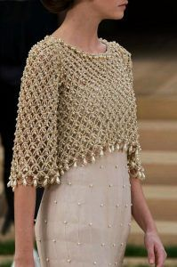 Crochet bolero decorated with pearls, for a special occasion. Crochet bolero decorated with pearls, for a special occasion. Made in point Solomon, this crochet work is beautiful and . Chanel Couture, Couture Fashion, Paris Fashion, Runway Fashion, Fashion Spring, Crochet Shawl, Knit Crochet, Crochet Bolero Pattern, Pinterest Crochet