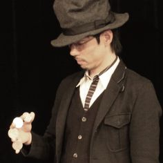 Ponta de Smith, magician | Ponta de Smith hails from Osaka, Japan and is one of the rising stars in world of coin magic.