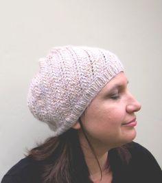Chapeau à torsades tricoté à la main en soie avec par LesFousDArt, $160.00