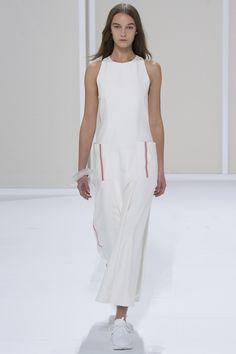 Hermès Spring 2016 Ready-to-Wear Fashion Show - Irina Liss (Supreme)