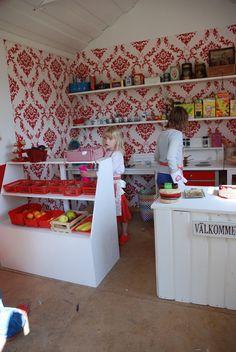 Lekstuga inomhus med kiosk och café