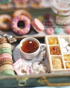Very detailed polymer clay miniature food. I especially love the ultra realistic cup of tea! by angelique Polymer Clay Miniatures, Polymer Clay Projects, Polymer Clay Charms, Polymer Clay Creations, Dollhouse Miniatures, Tiny Food, Fake Food, Miniature Crafts, Miniature Food