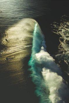 #Tahiti #Teahupoo #Moorea #ProxyFalls Billabong Pro Teahupoo, Wind wave, Surfing, Big wave surfing - Follow @extremegentleman for more pics like this!