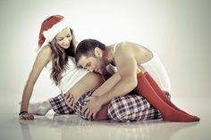 Christmas maternity pics More