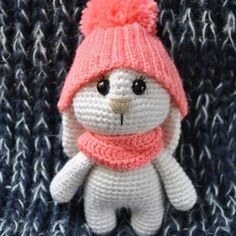 Who wants to make the cutie? This adorable bunny amigurumi wins the hearts! Get the crochet pattern for FREE!