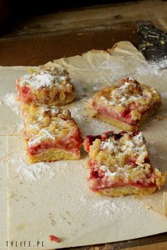 crumble, kruszonka, kruche ciasto, shortcrust pastry, kruche z truskawkami, kruche z rabarbarem, ciasto z kruszonką i rabarbarem, ciasto z kruszonką i truskawkami, crumble