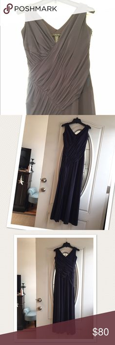 Laundry by Shelli dress Worn only once. Is size 0 but fits like 00. Tight around the arms. Side zipper and slight on front right side. Laundry by Shelli Segal Dresses Maxi