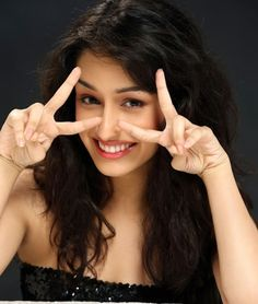 Bollywood Gorgeous Actress Shraddha Kapoor Latest Wallpapers & PIc's