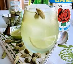 Indian Summer Blues (with Cardamom, Rose, and Gin) #vegan #glutenfree #cocktails