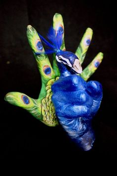 Peacock Hand by DesendentofDarkness on DeviantArt Rick Genest, Hand Art, Hand Painting Art, Art Paintings, Painting Videos, Sign Language Art, Deaf Art, Hand Kunst, Finger Art
