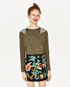 ZARA - WOMAN 3185/020 $35.90 T-SHIRT WITH EMBROIDERED SHOULDERS