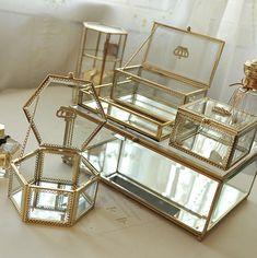 glass storage box 2018 Golden Crown Glass Storage Box Organizer Makeup Cosmetic Small Jewelry Display Decorative Dressing Table Organizado Gift Idea From Topprettymall, . Jewelry Table Display, Display Boxes, It Cosmetics Brushes, Makeup Cosmetics, Antic Jewellery, Makeup Display, Golden Crown, Jewelry Hanger, Discount Jewelry
