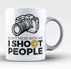 Photographer - I Shoot People - Mug